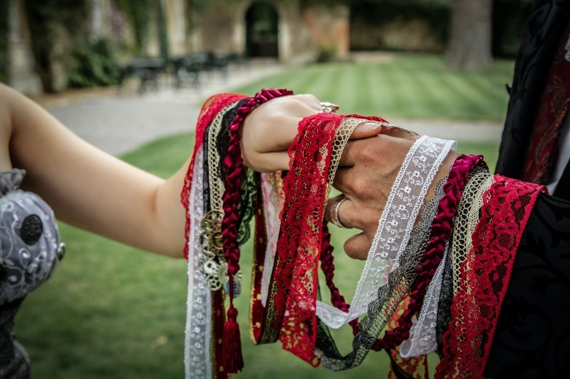 Wedding Celebrant -  Handfasting Ceremony