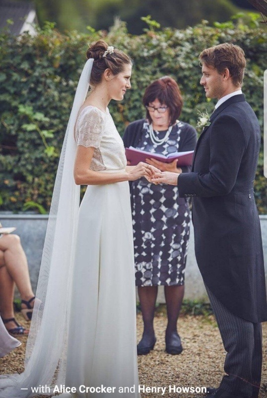 The Somerset Celebrant - Reading Vows