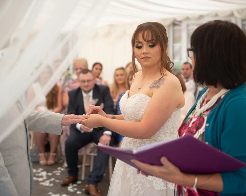 Wedding Celebrant - Saying your Wedding Vows