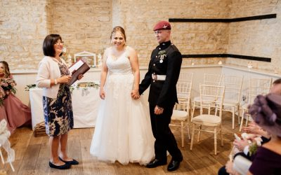 Social Media Weddings – Amy and Max  – Feeling the Connection