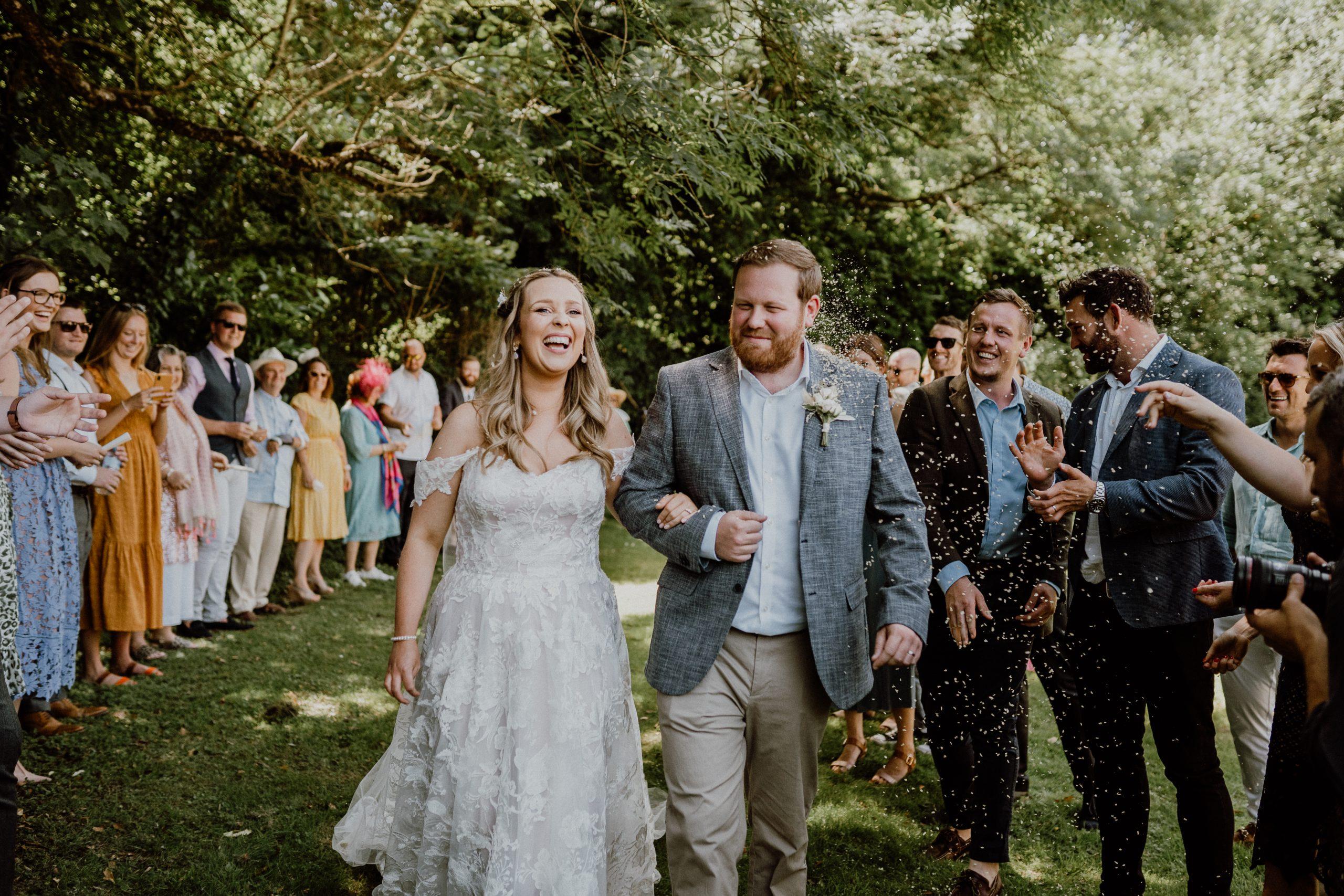 Wedding Celebrant - Confetti Throws - Congas - Kisses - Capturing the Joy